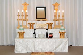 区民葬儀A券祭壇:練馬区の葬儀社 小澤葬祭